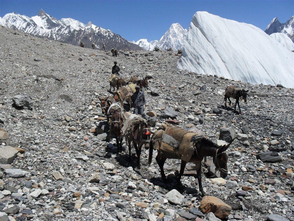 Trasporto materiale trekking K2
